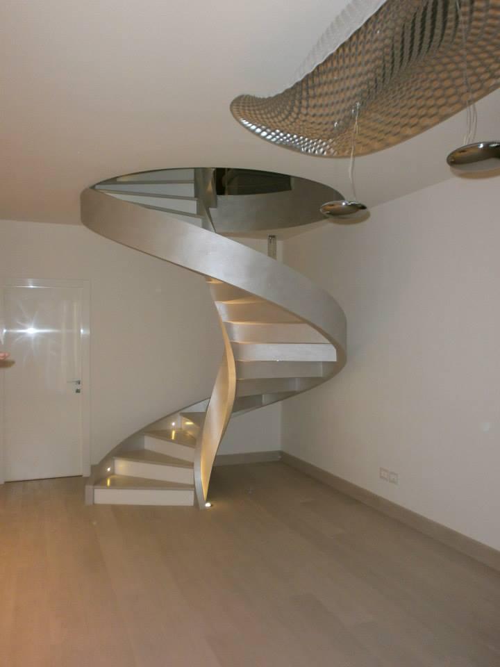 Empoli: scala elicoidale in cemento