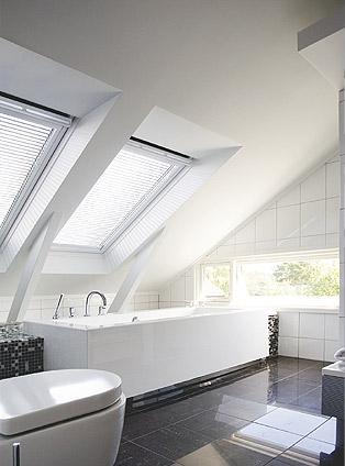 Finestre da tetto velux for Finestre velux elettriche prezzi