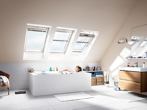 Finestre da tetto velux for Velux tetto in legno